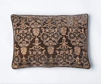 Butterflies cushion – Natural linen, with metal work