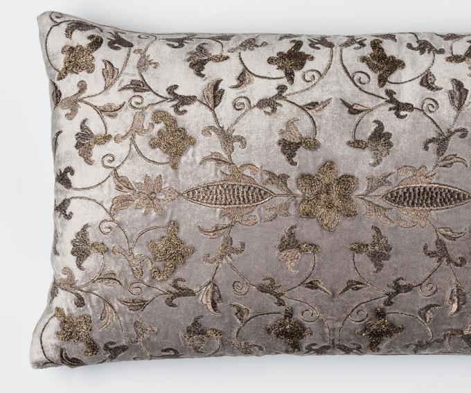 Arabesque cushion - Platinum