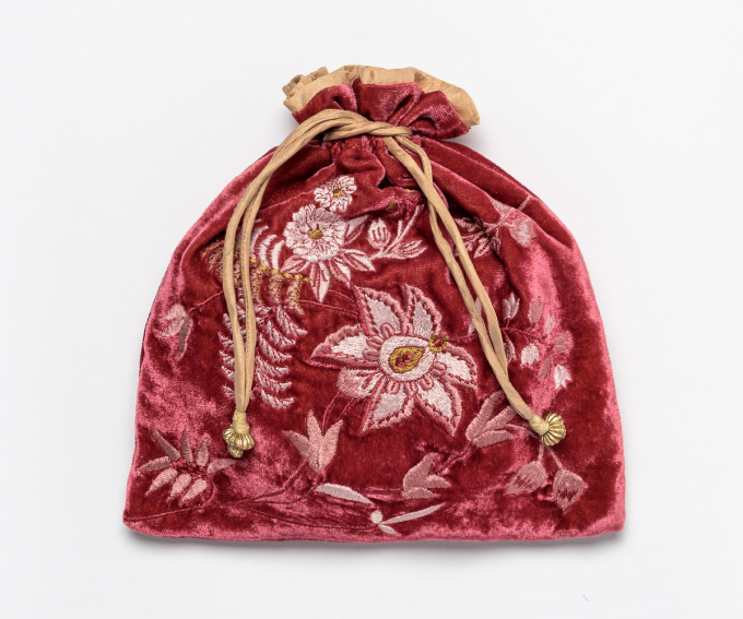 Madame Bovary pouch – deep pink silk velvet with hand embroidered flowers and gold drawstrings and beading.
